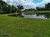 λίμνη και ουρανός Στοκ Εικόνα