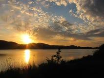 λίμνη πέρα από την ανατολή Στοκ φωτογραφίες με δικαίωμα ελεύθερης χρήσης