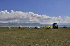 λίμνη στρατόπεδων πλησίον στοκ εικόνα