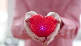 δίνοντας στην καρδιά τη γυ& απόθεμα βίντεο