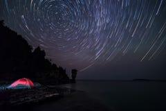 Ίχνη αστεριών επάνω από Flowerpot στοκ εικόνα με δικαίωμα ελεύθερης χρήσης