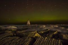 Ίχνη αστεριών με την αυγή Borealis Στοκ Εικόνες