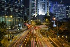 Ίχνη νυχτερινού φωτεινού σηματοδότη στο Χονγκ Κονγκ Στοκ Εικόνα