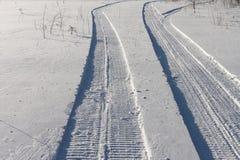 ίχνη οχημάτων για το χιόνι Στοκ Φωτογραφία