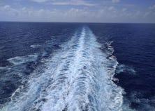 Ίχνος από ένα σκάφος στον ωκεανό στοκ φωτογραφία με δικαίωμα ελεύθερης χρήσης