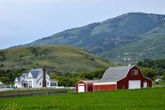 Ίχνος, Αϊντάχο, αγρόκτημα και σιταποθήκη του Όρεγκον Στοκ Εικόνες