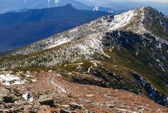 Ίχνος γυναικών που τρέχει στα βουνά Στοκ εικόνα με δικαίωμα ελεύθερης χρήσης