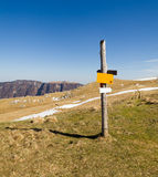 Ίχνος πεζοπορίας βουνών Στοκ φωτογραφία με δικαίωμα ελεύθερης χρήσης