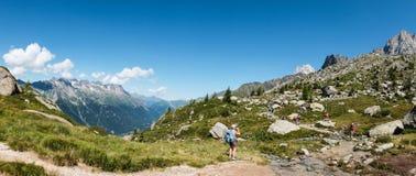 Ίχνος πεζοπορίας κοντά στη Mont Blanc σε Chamonix, Γαλλία Στοκ Φωτογραφία