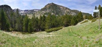 Ίχνος πεζοπορίας στην κοιλάδα madriu-Perafita-Claror στοκ εικόνα με δικαίωμα ελεύθερης χρήσης