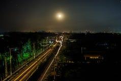 Ίχνος στο φεγγάρι Στοκ εικόνες με δικαίωμα ελεύθερης χρήσης