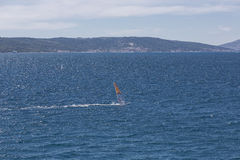 Αέρας surfer στην αδριατική θάλασσα, Κροατία Στοκ φωτογραφία με δικαίωμα ελεύθερης χρήσης