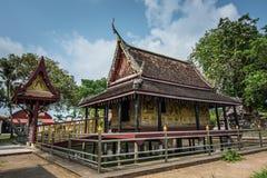 Αίθουσα αρχαίου Tripitaka στη λίμνη, Ταϊλάνδη Στοκ Εικόνες