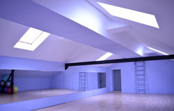 Αίθουσα για τα μαθήματα χορού και γυμναστικής Στοκ Φωτογραφίες