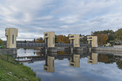 Αίθουσα κλειδαριών NAD Vltavou Hluboka στο χρόνο φθινοπώρου Στοκ Εικόνες