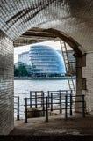 Αίθουσα πόλεων του Λονδίνου στο ηλιοβασίλεμα Στοκ εικόνες με δικαίωμα ελεύθερης χρήσης