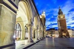 Αίθουσα υφασμάτων και παλαιά αίθουσα πόλεων, Κρακοβία, Πολωνία Στοκ εικόνα με δικαίωμα ελεύθερης χρήσης