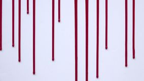 Αίμα που ρέει κάθετα σε ένα άσπρο υπόβαθρο διανυσματική απεικόνιση