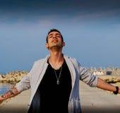 Αίσθημα ελεύθερος και ισχυρός ως Θεό στοκ εικόνα με δικαίωμα ελεύθερης χρήσης