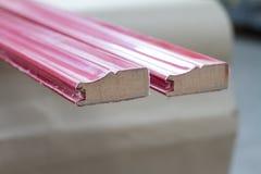 λαβές σιταριών επίπλων πορτών καφέ εξαρτημάτων Ο ξύλινος πλίνθος στοκ φωτογραφία