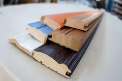 λαβές σιταριών επίπλων πορτών καφέ εξαρτημάτων Ο ξύλινος πλίνθος στοκ εικόνες