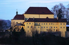 Αβαείο Kapuzinerberg στο Σάλτζμπουργκ το βράδυ Στοκ φωτογραφία με δικαίωμα ελεύθερης χρήσης