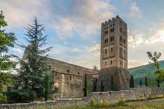Αβαείο Saint-Michel de Cuxa κοντά στο χωριό Codalet - Γαλλία Στοκ Εικόνες