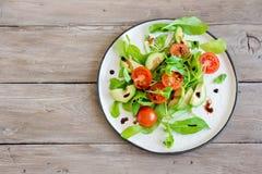 Αβοκάντο και σαλάτα ντοματών Στοκ εικόνα με δικαίωμα ελεύθερης χρήσης