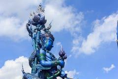 Αγάλματα αγγέλου στη μυθιστοριογραφία στους ναούς στοκ εικόνες