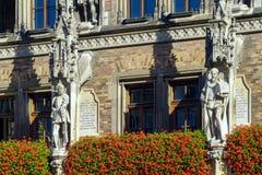 Αγάλματα σε Neues Rathaus σε Marienplatz, Μόναχο, Γερμανία Στοκ Φωτογραφία
