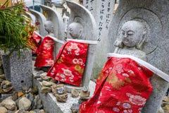 Αγάλματα Jizo στο ναό Arashiyama, Κιότο, Ιαπωνία Στοκ εικόνα με δικαίωμα ελεύθερης χρήσης