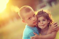 Αγάπη αδελφών και αδελφών Στοκ εικόνες με δικαίωμα ελεύθερης χρήσης