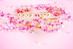 Αγάπη εσείς έννοια χαντρών κειμένων στοκ φωτογραφία