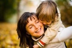 Αγάπη - μητέρα και παιδί στοκ φωτογραφίες