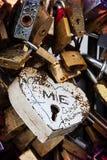 Αγάπη, που κλειδώνεται Στοκ φωτογραφίες με δικαίωμα ελεύθερης χρήσης