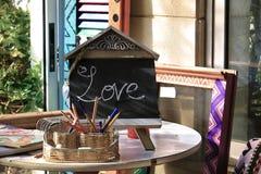 Αγάπη στον πίνακα κιμωλίας Στοκ Εικόνες