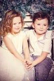 Αγάπη του μικρού παιδιού και του κοριτσιού στοκ φωτογραφίες με δικαίωμα ελεύθερης χρήσης