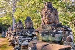 Αγάλματα πυλών ναών Bayon Prasat, Angkor, Καμπότζη Στοκ φωτογραφία με δικαίωμα ελεύθερης χρήσης
