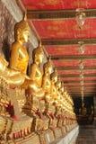 Αγάλματα του Βούδα περισυλλογής στο wat suthat, Ταϊλάνδη Στοκ φωτογραφία με δικαίωμα ελεύθερης χρήσης