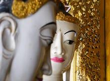 Αγάλματα του Βούδα στην παγόδα Shwedagon, Yangon Στοκ Φωτογραφία