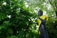 Αγάλματα του Βούδα στο δημόσιο ναό Wat Samakhitham στη Μπανγκόκ Thail στοκ φωτογραφία με δικαίωμα ελεύθερης χρήσης