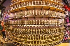 Αγάλματα του Oscar που προσφέρονται στα καταστήματα Στοκ εικόνα με δικαίωμα ελεύθερης χρήσης