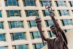 Αγάλματα τράπεζας Κεντρικής Τράπεζας των ΗΠΑ στην πόλη του Κάνσας Στοκ Εικόνα