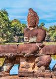 Αγάλματα Angkor στη γέφυρα, Καμπότζη Στοκ Φωτογραφία