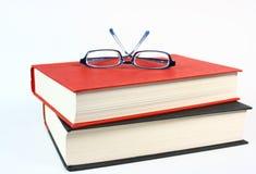 αγαθό δύο γυαλιών βιβλίων Στοκ Εικόνες