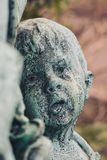 Αγαλμάτων φύσης γλυπτών τέχνης παλαιά ταφόπετρα θρησκείας νεκροταφεί στοκ φωτογραφία με δικαίωμα ελεύθερης χρήσης