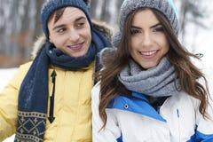 Αγαπώντας ζεύγος το χειμώνα Στοκ Φωτογραφία