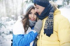 Αγαπώντας ζεύγος το χειμώνα Στοκ Εικόνα