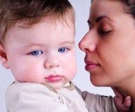 Αγαπώντας μητέρα και το μωρό της Στοκ Εικόνες