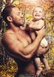Αγαπώντας πατέρας με την κόρη Στοκ Φωτογραφίες